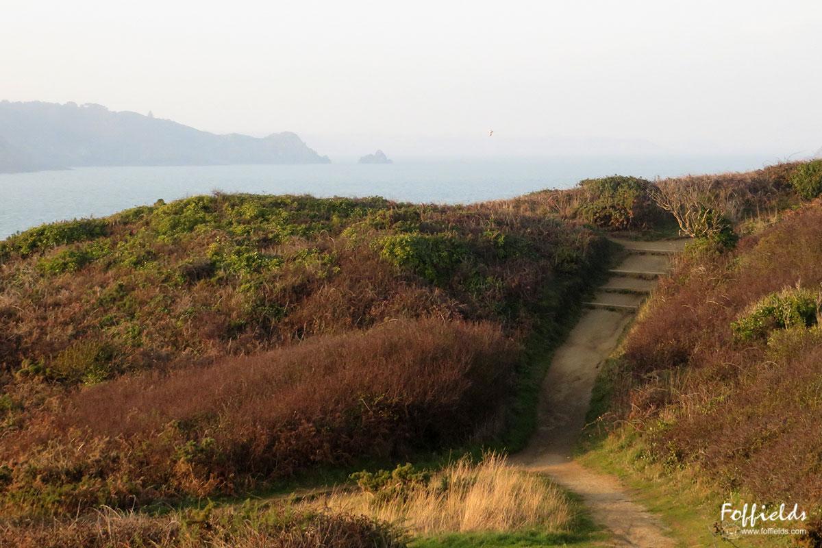 De la pointe du Bec de Vir, vue sur Le Pommier et la pointe de Beg Hastel